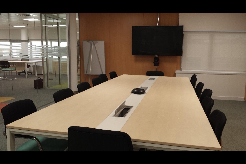 Pablo barone oficinas caser seguros madrid caser seguros for Oficinas caixa sevilla